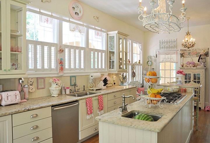 Какой должна быть современная и модная кухонная мебель