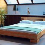 Выбор кроватей по назначению и материалу